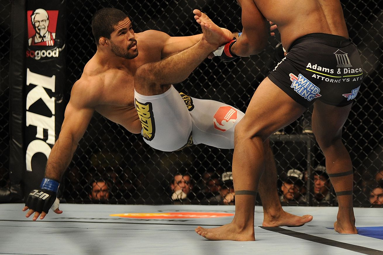 Rousimar Palhares still dizzy, fearing black outs following illegal elbows that crushed him in Venator