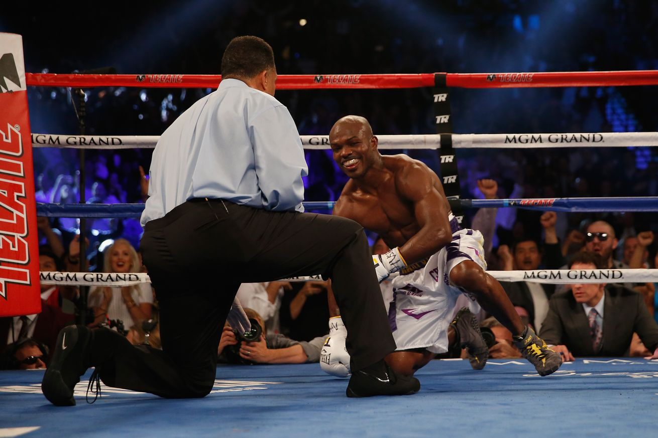 Who won Pacquiao vs Bradley 3 last night? PacMan drops Desert Storm twice to take rubber match
