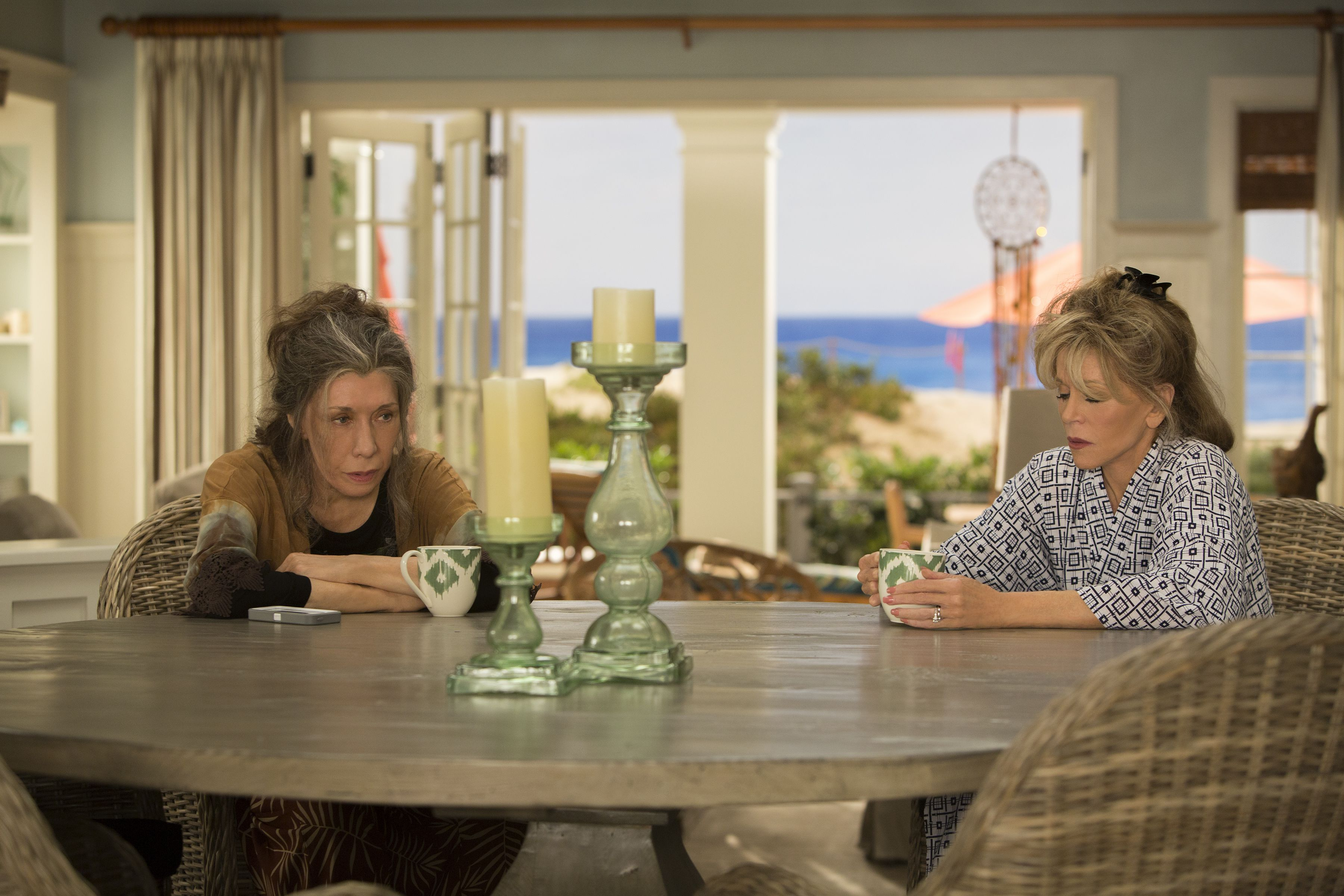 Netflix S Grace And Frankie Is Great Tv To Nap To That S