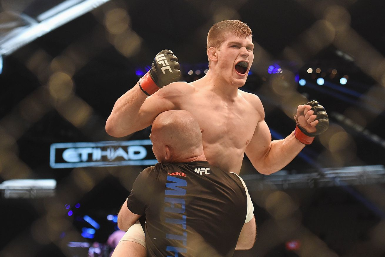 community news, UFC Fight Night 85 results: Jake Mathews submits Johnny Case with just seconds left on the clock