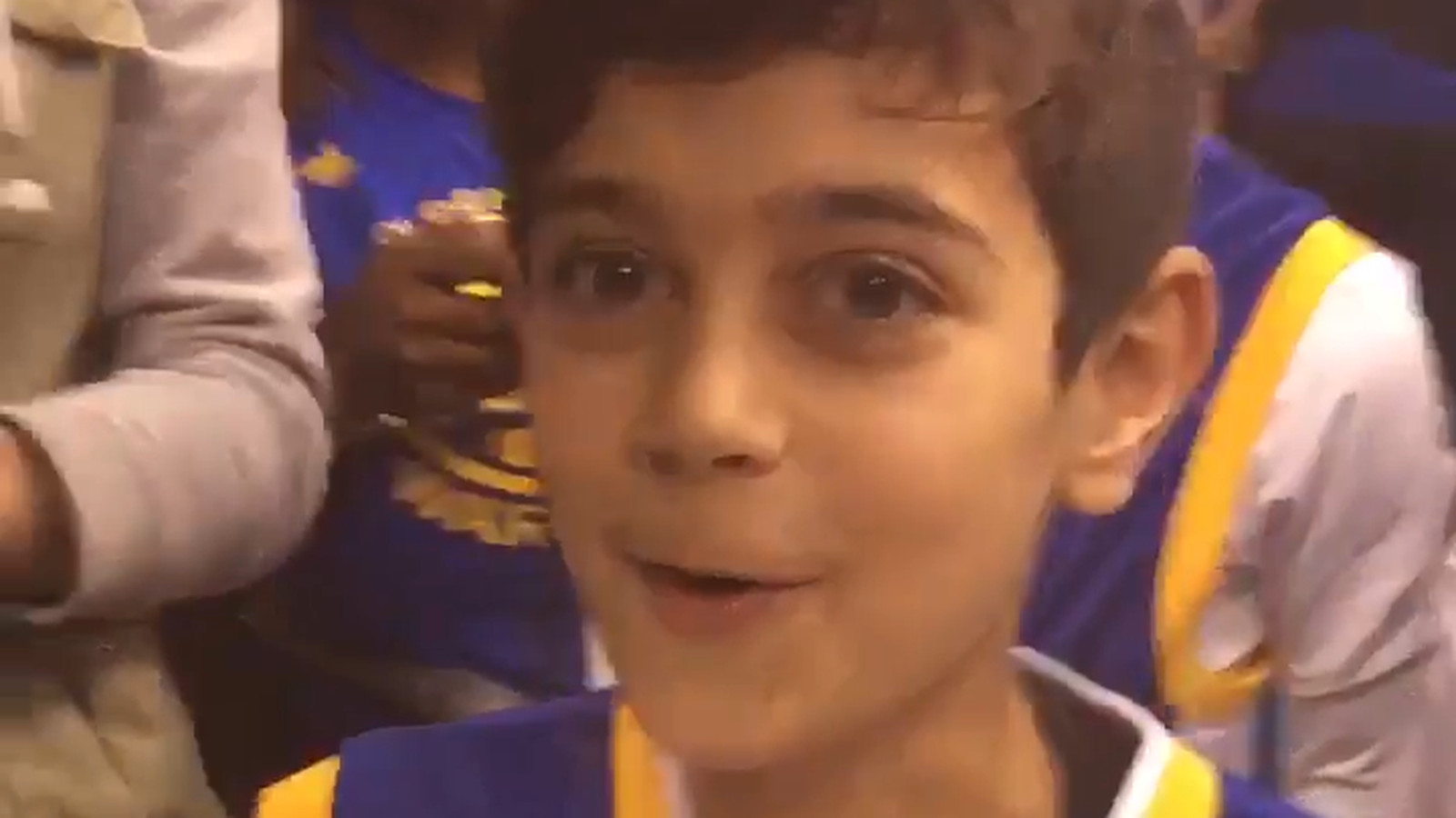 Stephen Curry Kid Stephen Curry makes a ...