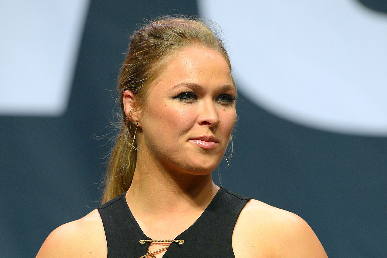 community news, Ronda Rousey shares breaking news: She can bite into apples again!