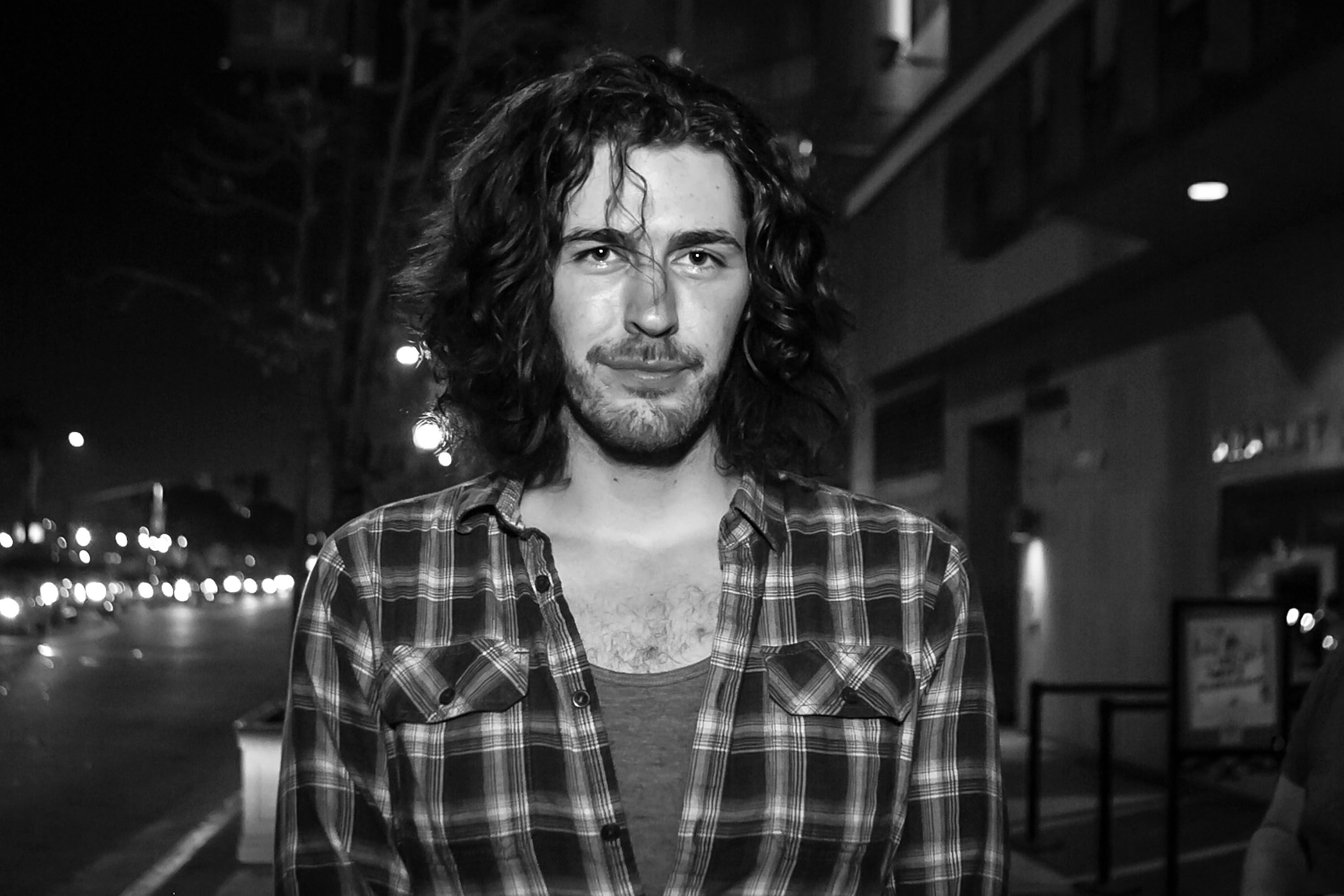» Who's That (Long-Haired Singer-Songwriter) Guy (From ...  |Hozier Musician