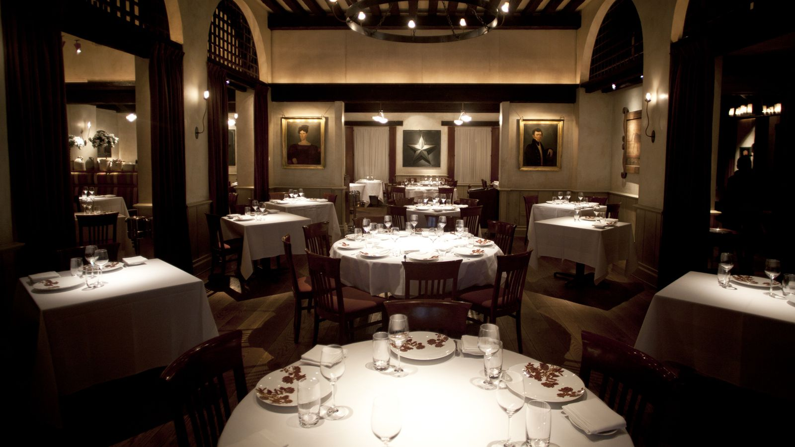 Gramercy tavern at 20 is new york 39 s quintessential for American cuisine new york