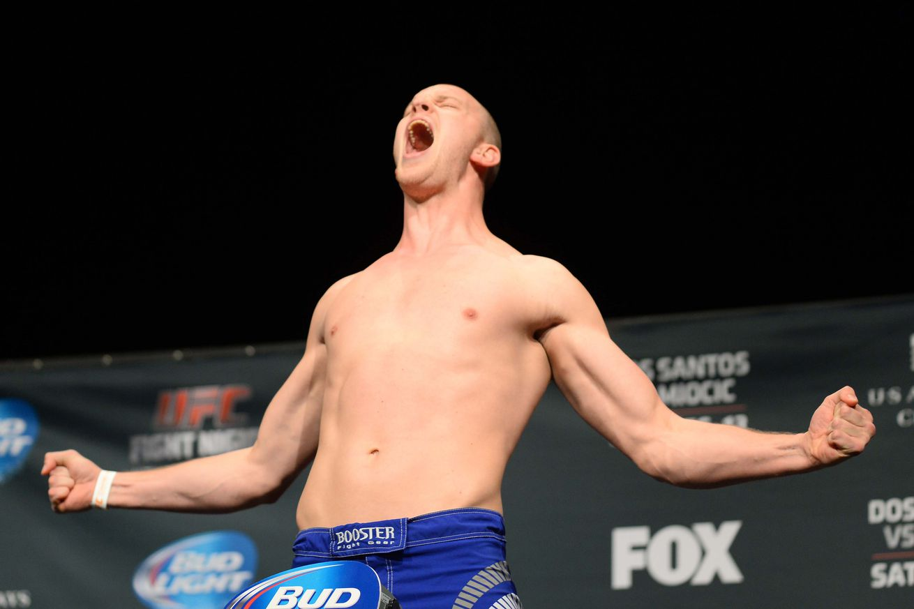 community news, UFC Fight Night 87s Stefan Struve predicts first round KO of Bigfoot Silva: Hes going down