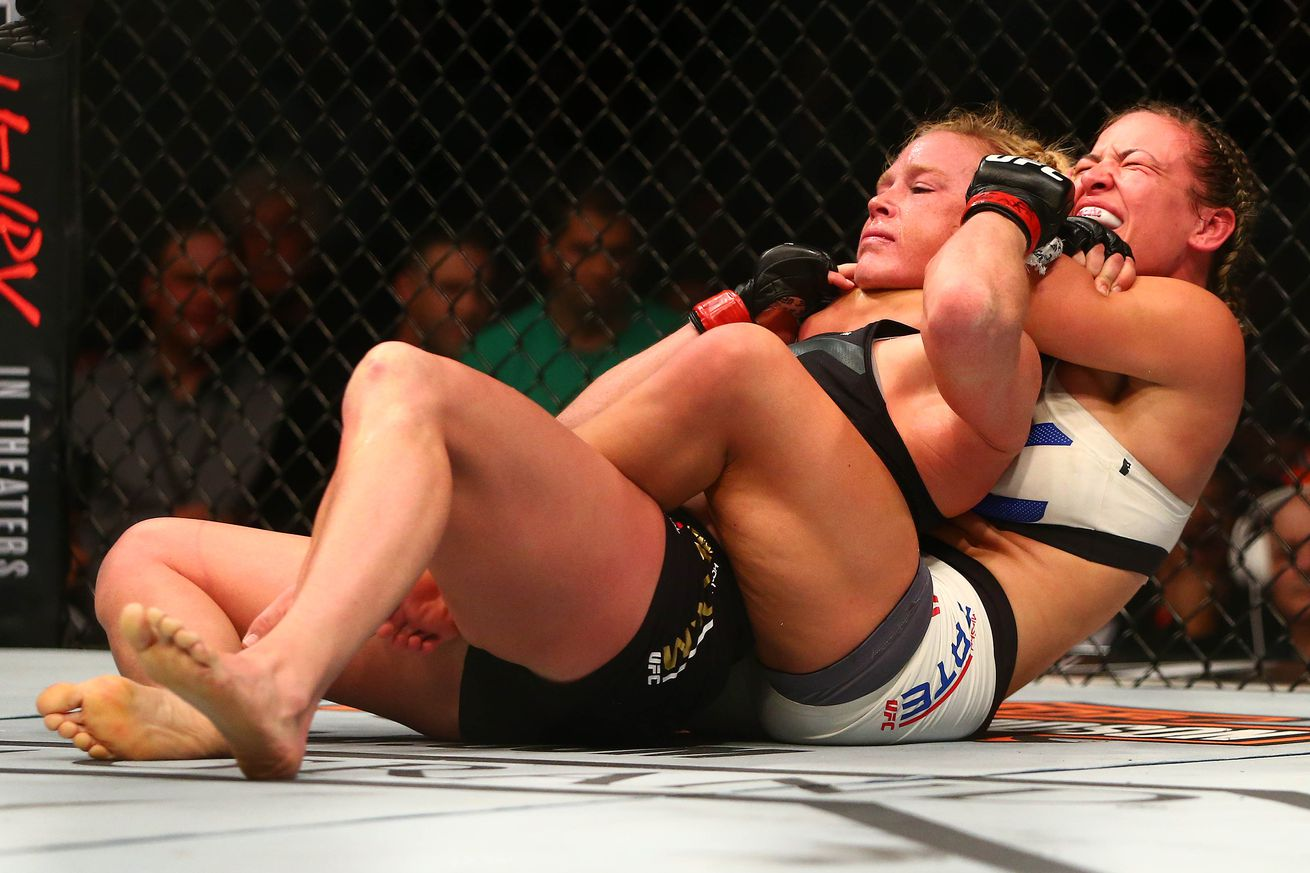 community news, Dana White praises Holly Holm for going out like a gangster against Miesha Tate at UFC 196