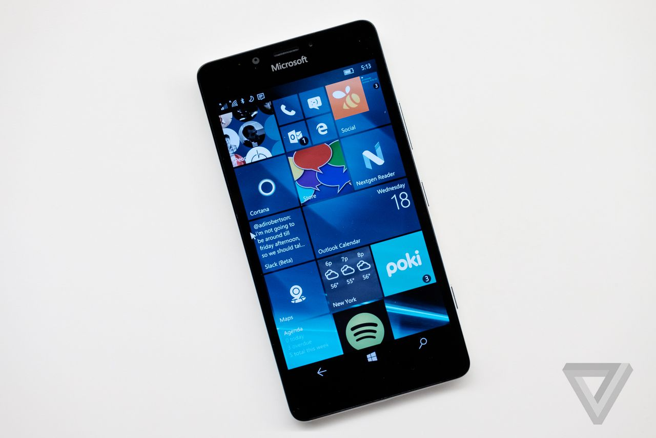 Windows Phone market share falls below one percent