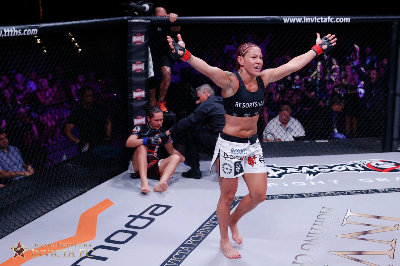 UFC 198 results: Cris Cyborg scores violent TKO win over Leslie Smith in Brazil