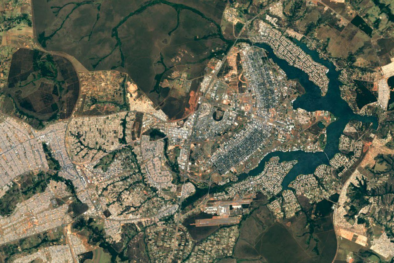 Google EarthMaps Now Offering Clearer Satellite Matthew Aid - Google maps earth satellite