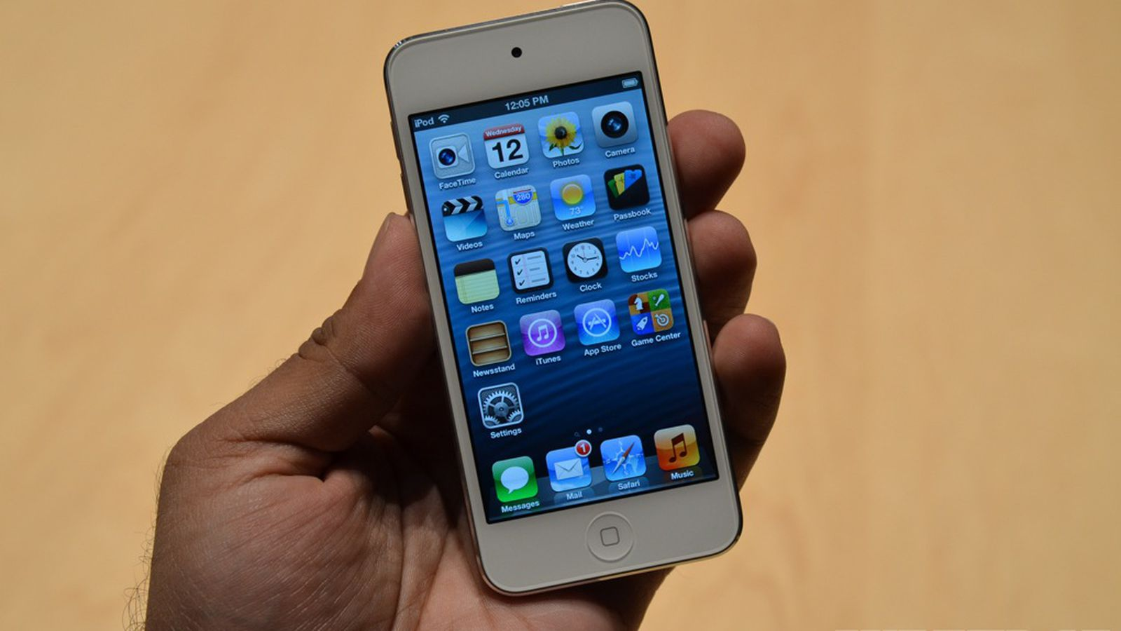 Apple's new iPod touch hands-on photos and video