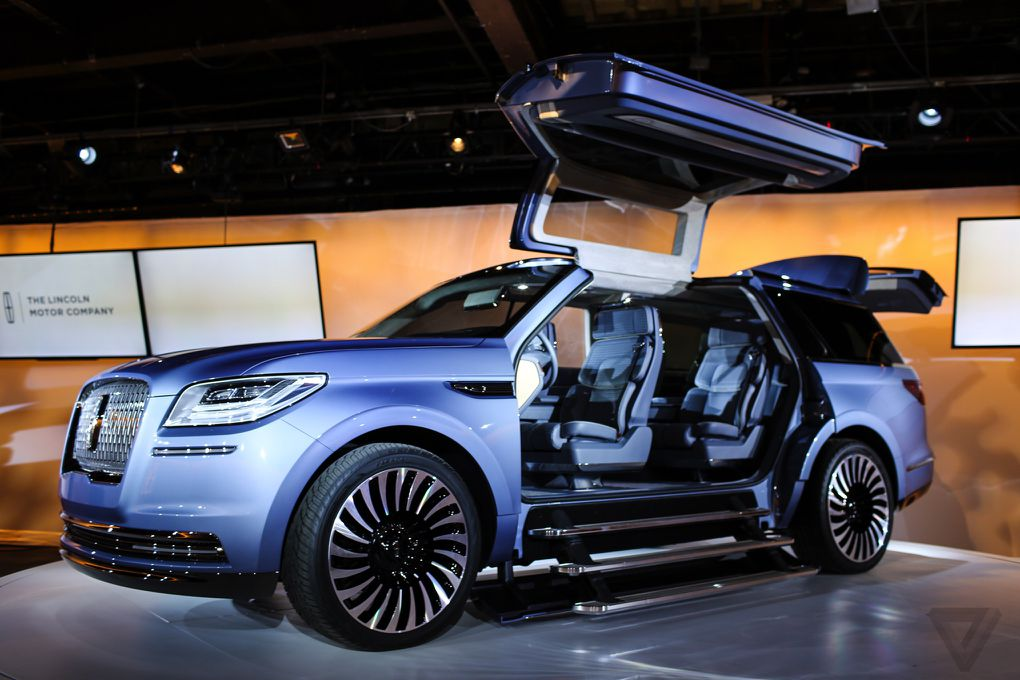 The Lincoln Navigator Concept Is A Massive Luxurious Land