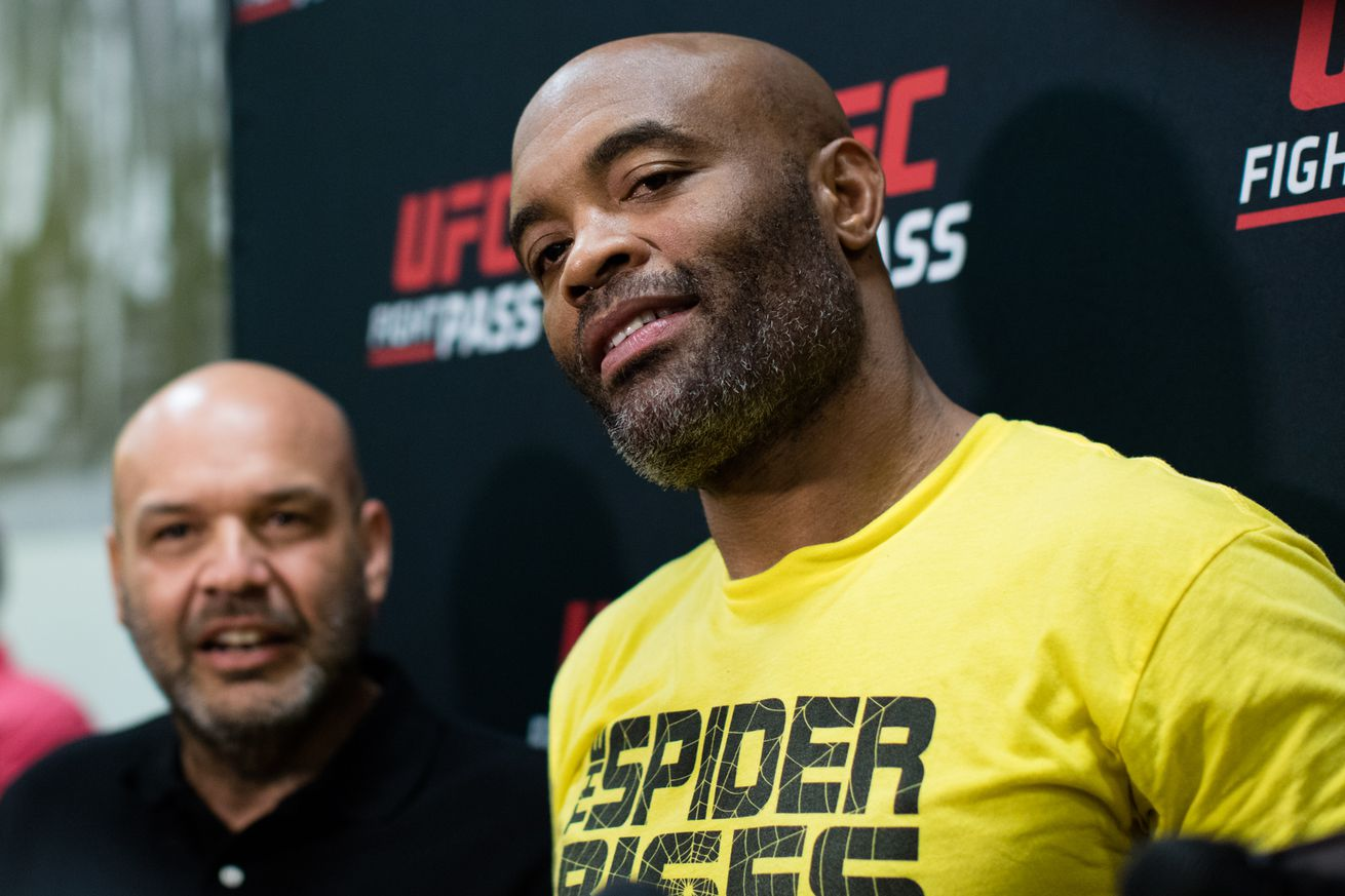 Anderson Silva mocks 'unskilled' Michael Bisping with Instagram video; The Count fires back