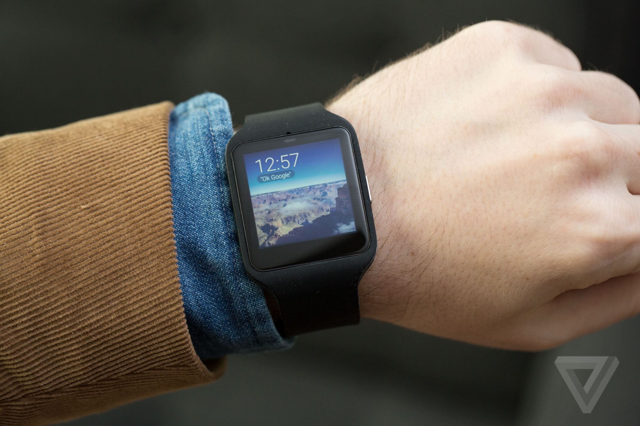 sony smartwatch 3 review android wear can be remarkably unremarkable the verge. Black Bedroom Furniture Sets. Home Design Ideas