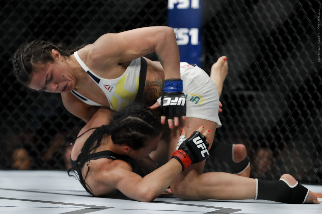 community news, Claudia Gadelha thought she won three rounds, argues shes technically better than Joanna Jedrzejczyk