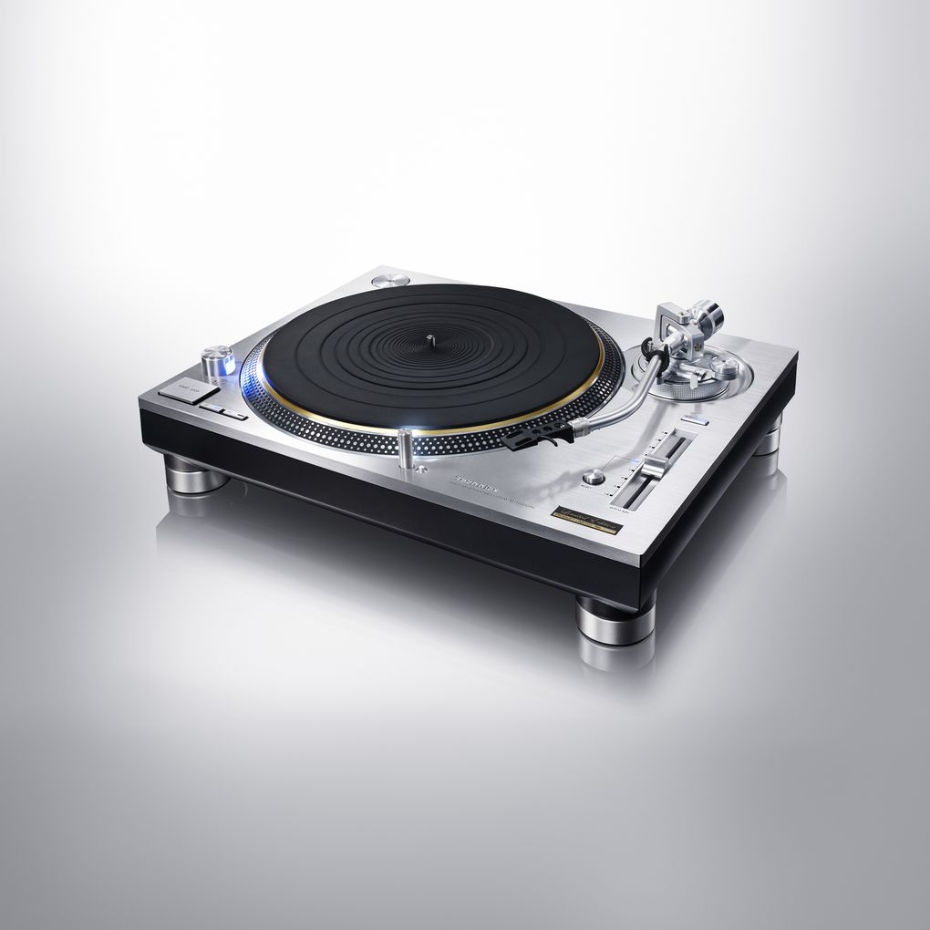 the technics sl 1200 turntable returns in two new. Black Bedroom Furniture Sets. Home Design Ideas