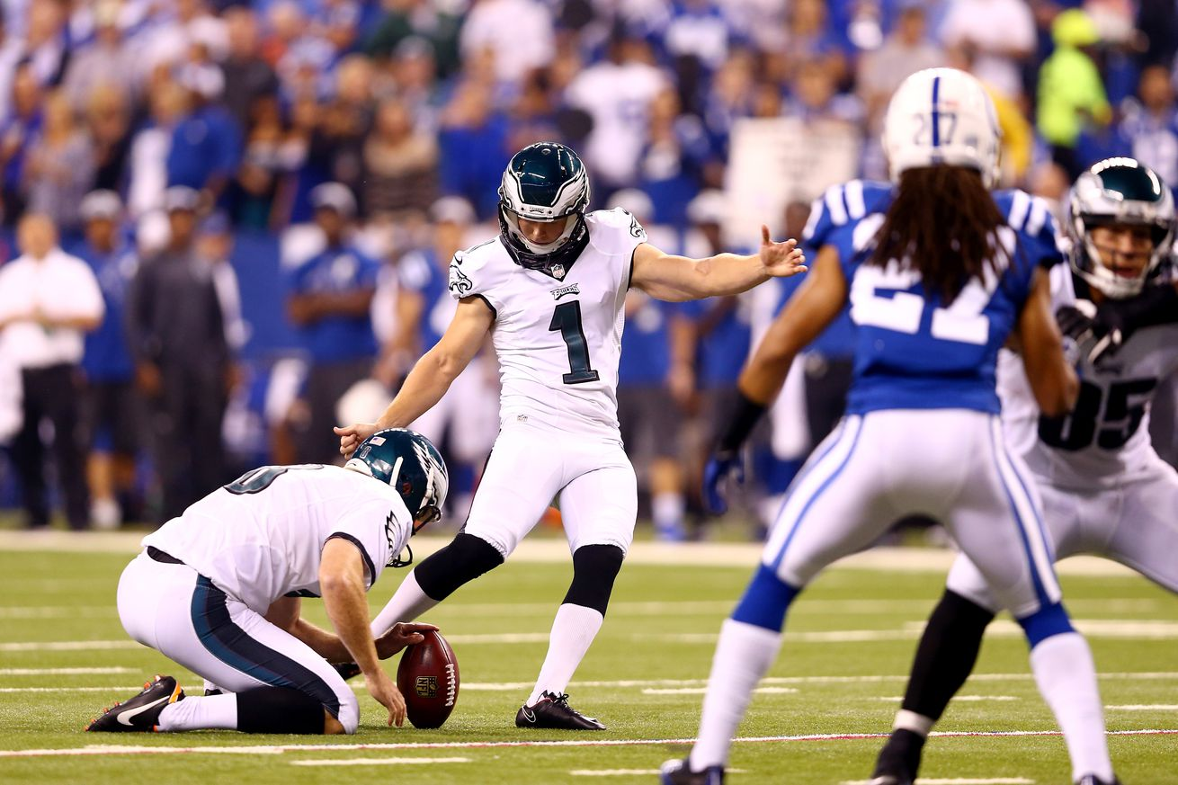 All eyes on Wentz as Eagles open camp