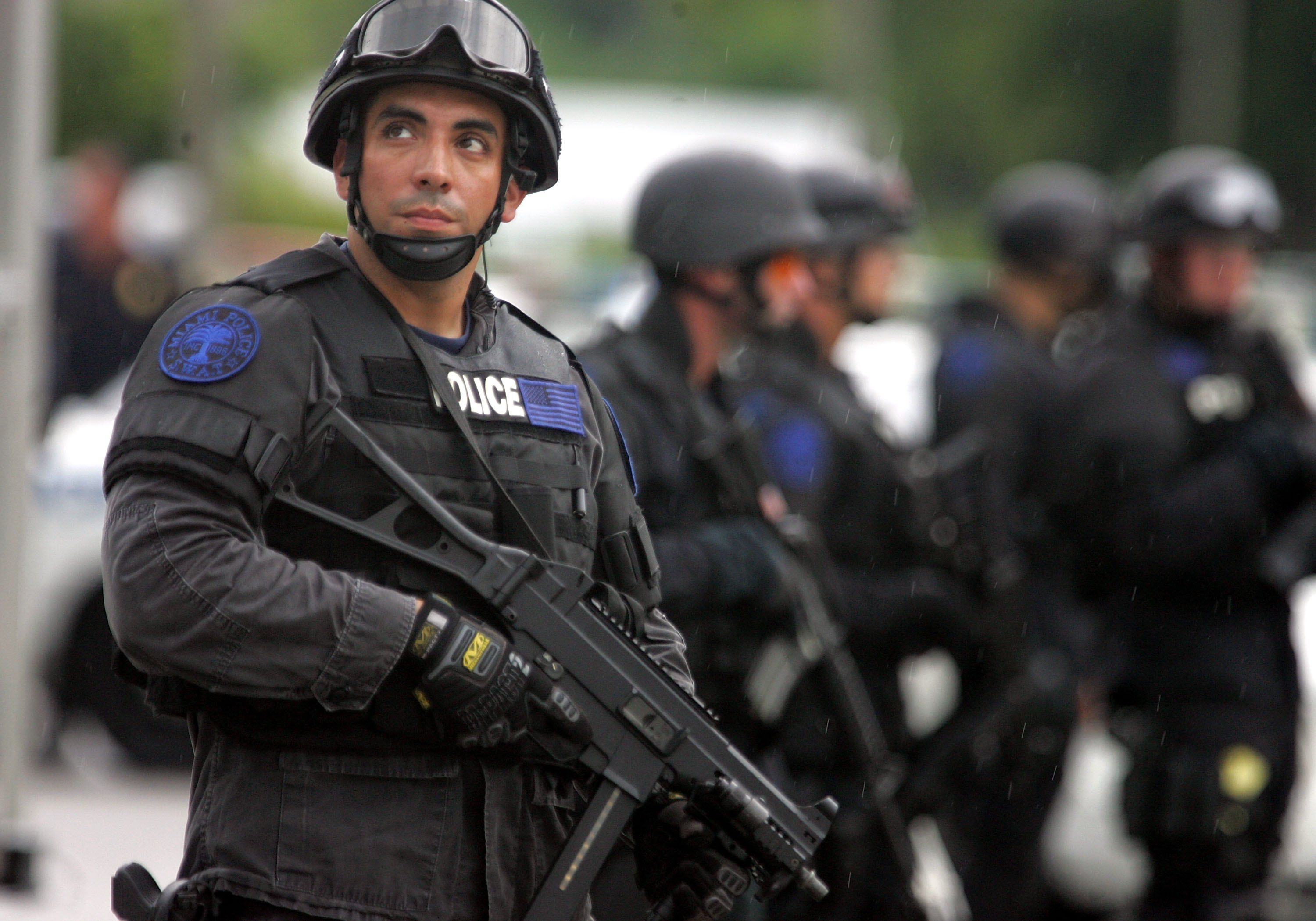 In Law Apartment Cops Do 20 000 No Knock Raids A Year Civilians Often Pay