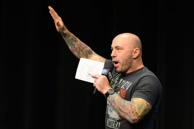Morning Report: Joe Rogan believes Ken Shamrock vs. Kimbo Slice looked 'suspect' and 'fake'
