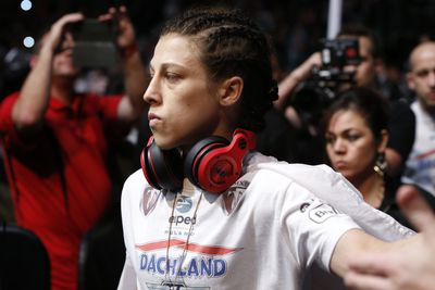 Joanna Jedrzejczyk has badly broken thumb, could need surgery