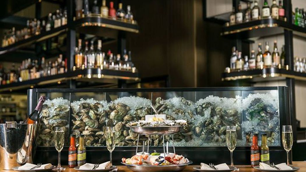 20 great affordable lunch options at pricey restaurants for Gt fish and oyster chicago
