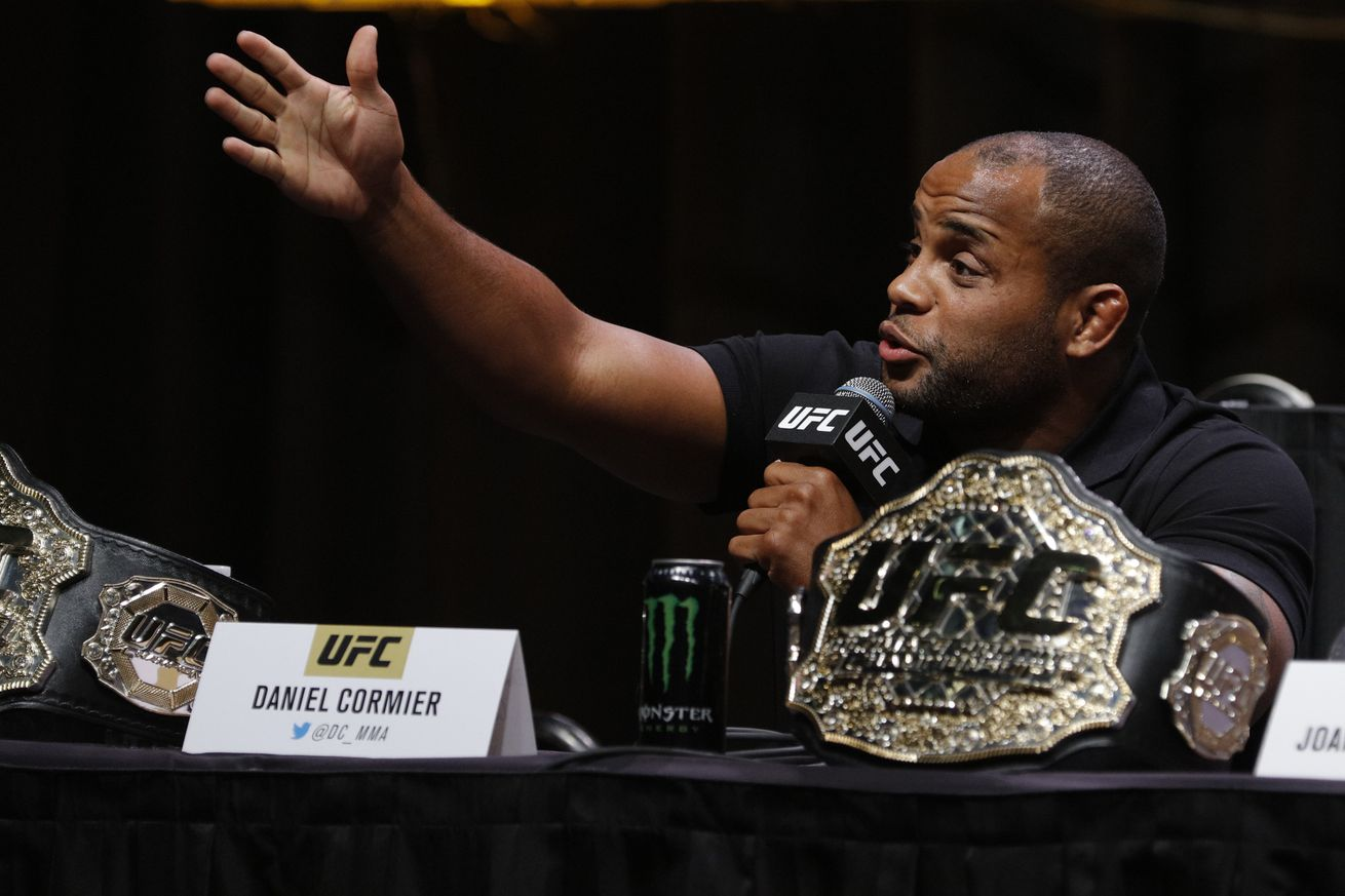 Chi Lewis Parry injures hand sparring Daniel Cormier, out of GLORY 30