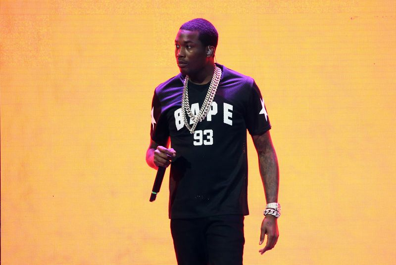 Meek Mill finally responds to Drake with his own diss track,