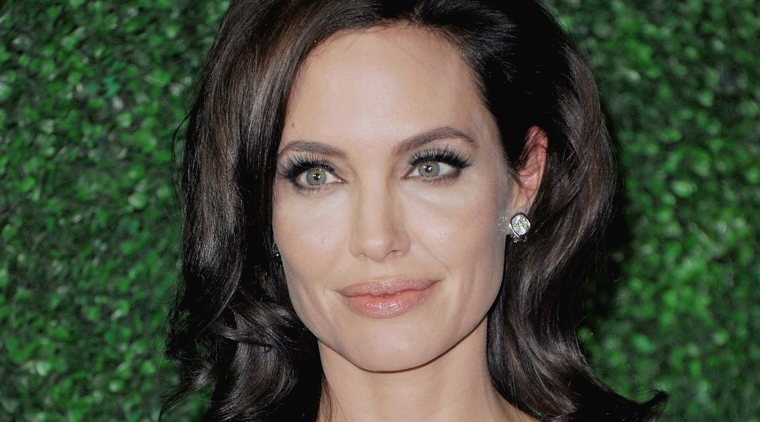 Angelina Jolie Pictures On Vox 119