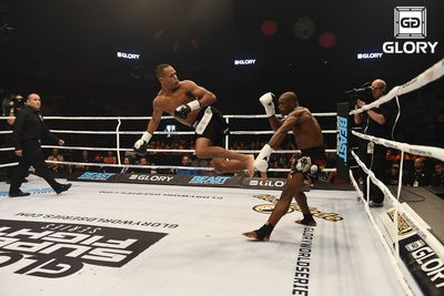 GIF: Raymond Daniels puts on a spinning show, finishes Jonaton Oliveira at GLORY 19   -mma fight news