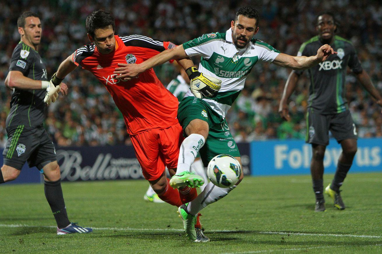 Seattle signs former US forward Herculez Gomez