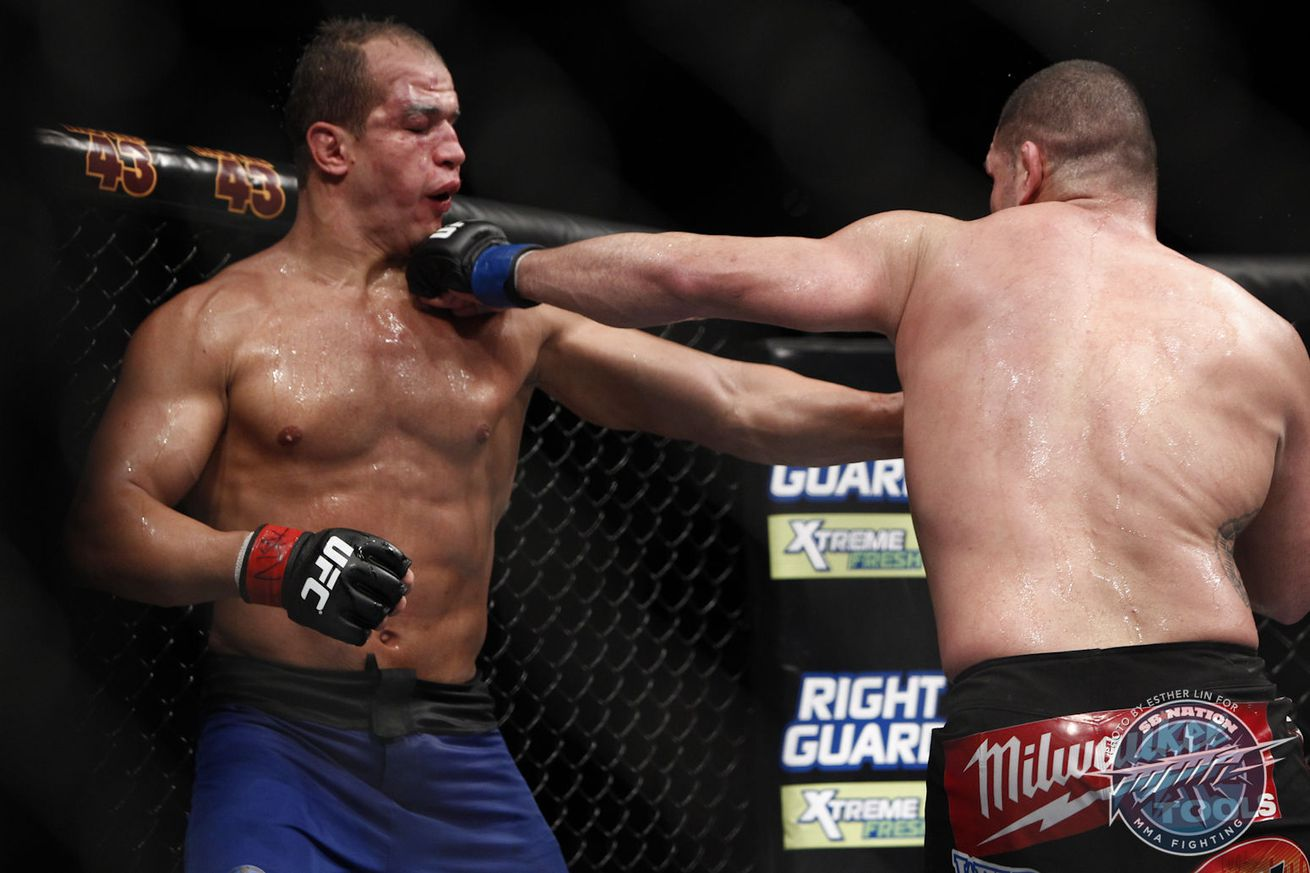 UFC 155 results: Cain Velasquez takes the HW title back ...