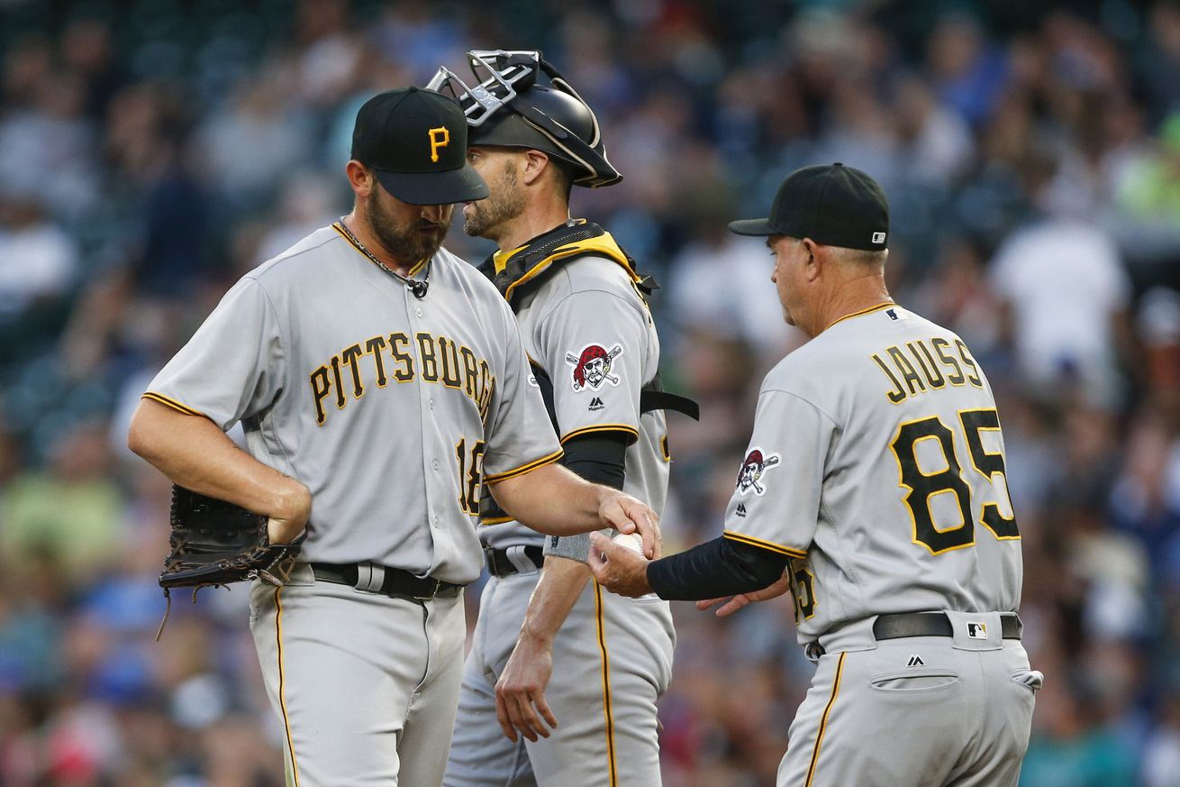 McCutchen helps Pirates to a rare win over Cubs, Arrieta