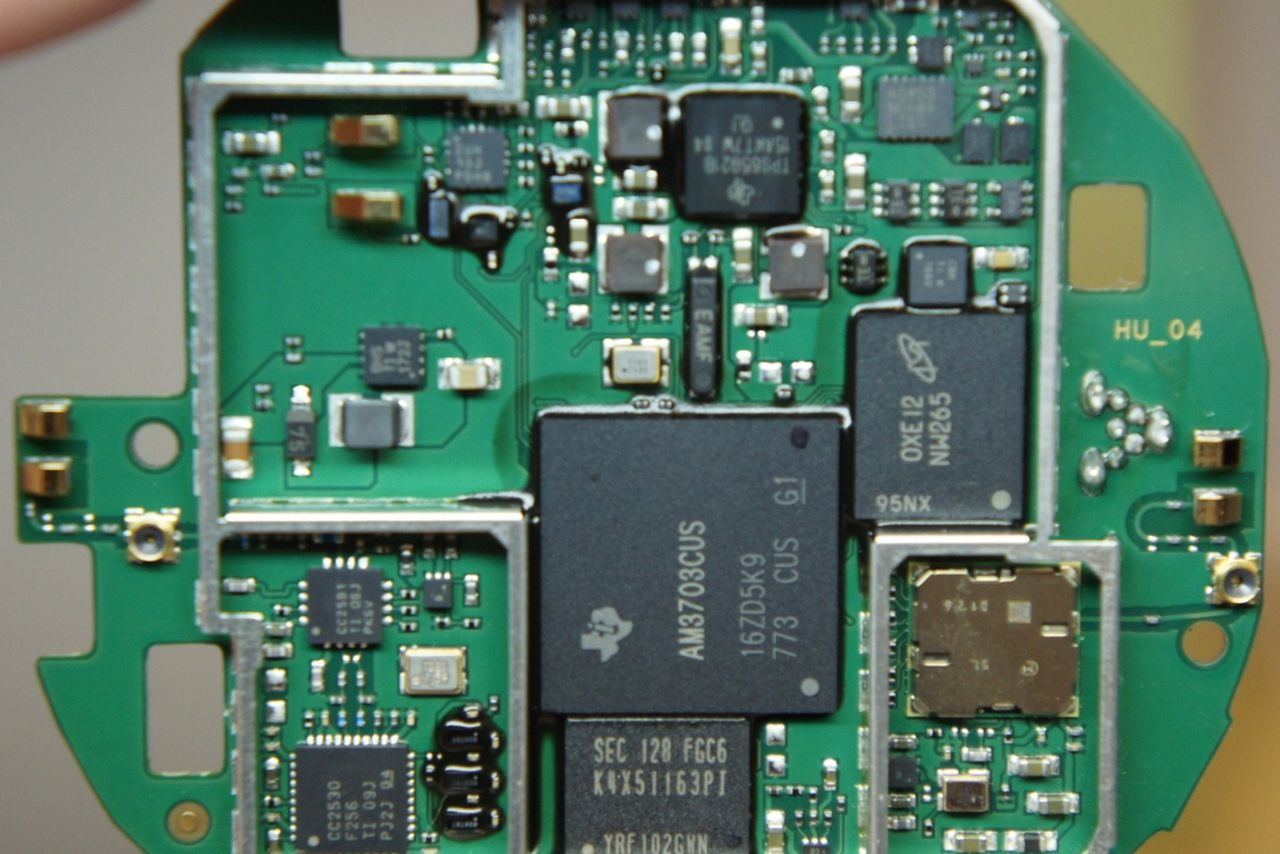 Nest Thermostat Teardown Reveals Arm Cortex A8 Cpu Zigbee