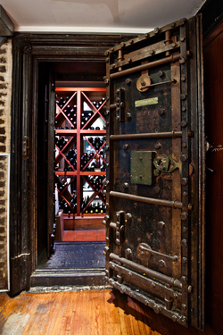 winelocker.0.jpg