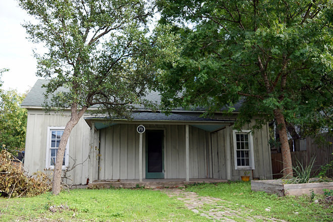 is the market rate for this two bedroom house for rent in south austin