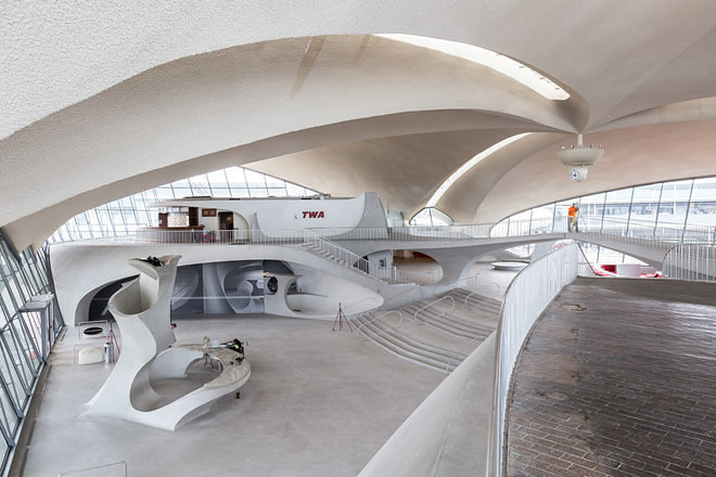 Capturing jfk 39 s space age twa terminal before it 39 s for Hotel at jfk airport terminal