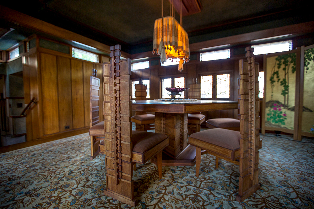 A full tour through frank lloyd wright 39 s first la house for The dining room ennis