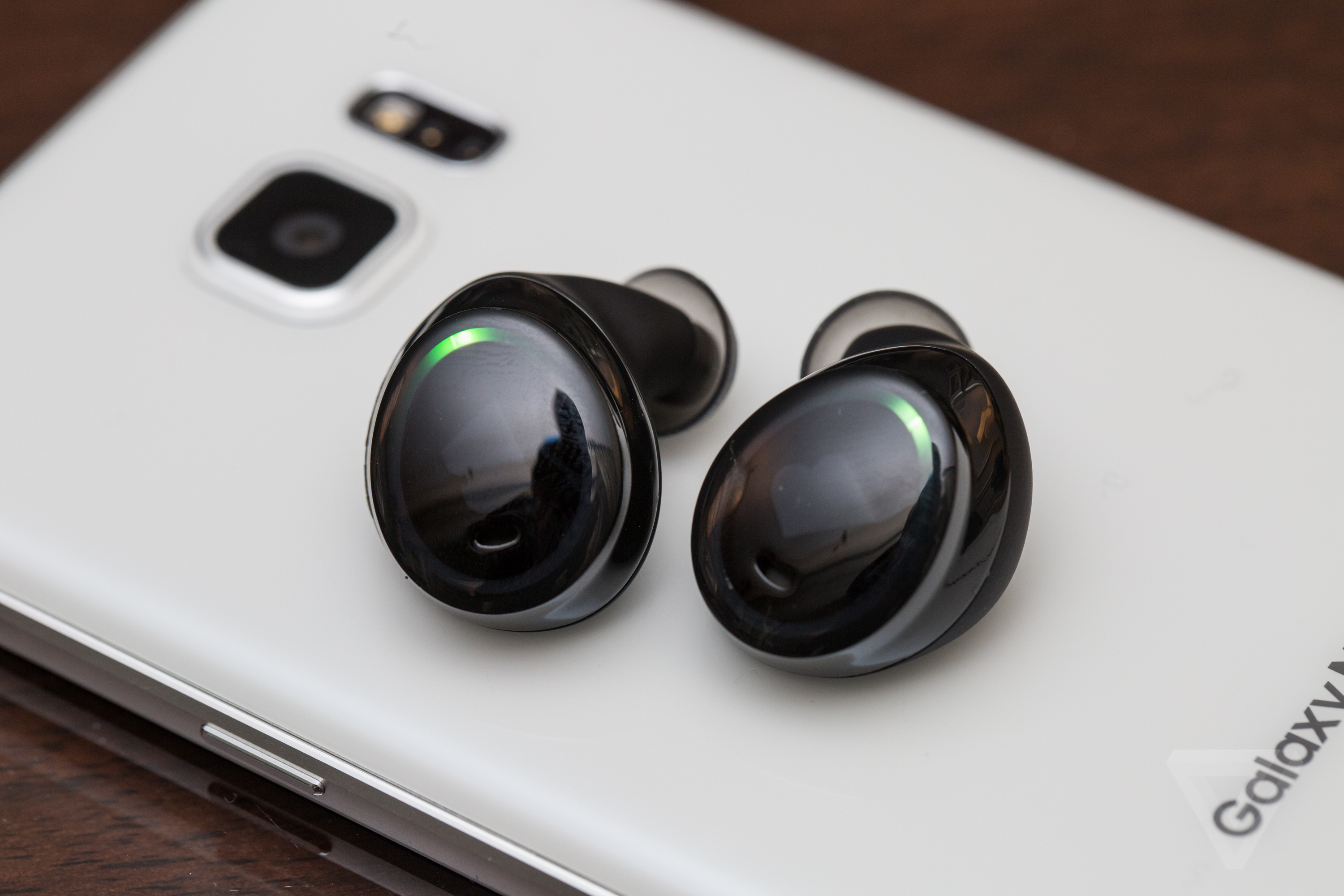 75a5fb91add Bragi The Dash Truly Wireless Smart Headphones Review - Image ...