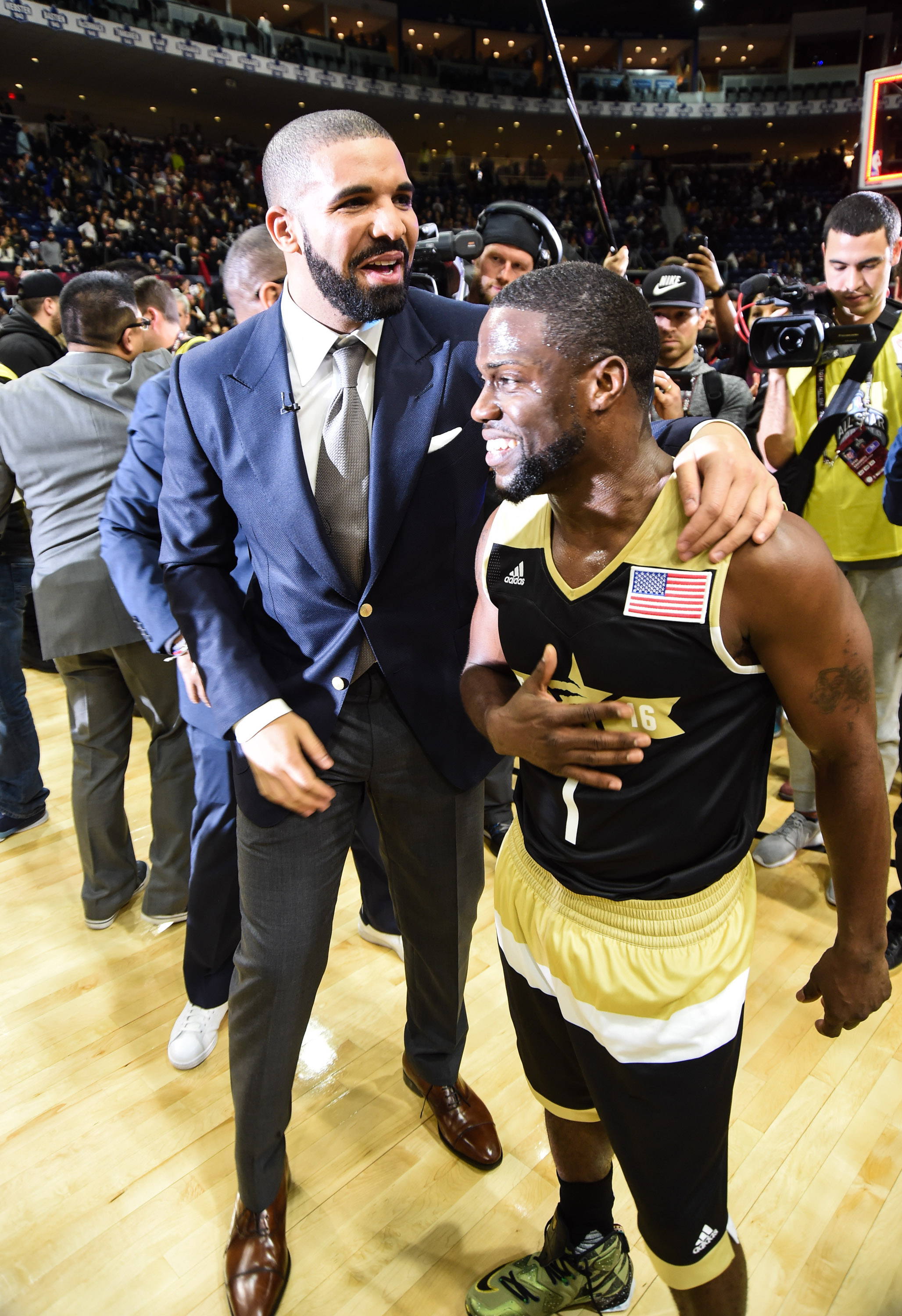 Drake and Kevin Hart to coach NBA All-Star Celebrity Game ...