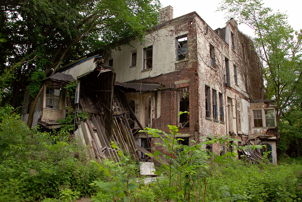 revisiting brooklyn s abandoned admiral s row before it s