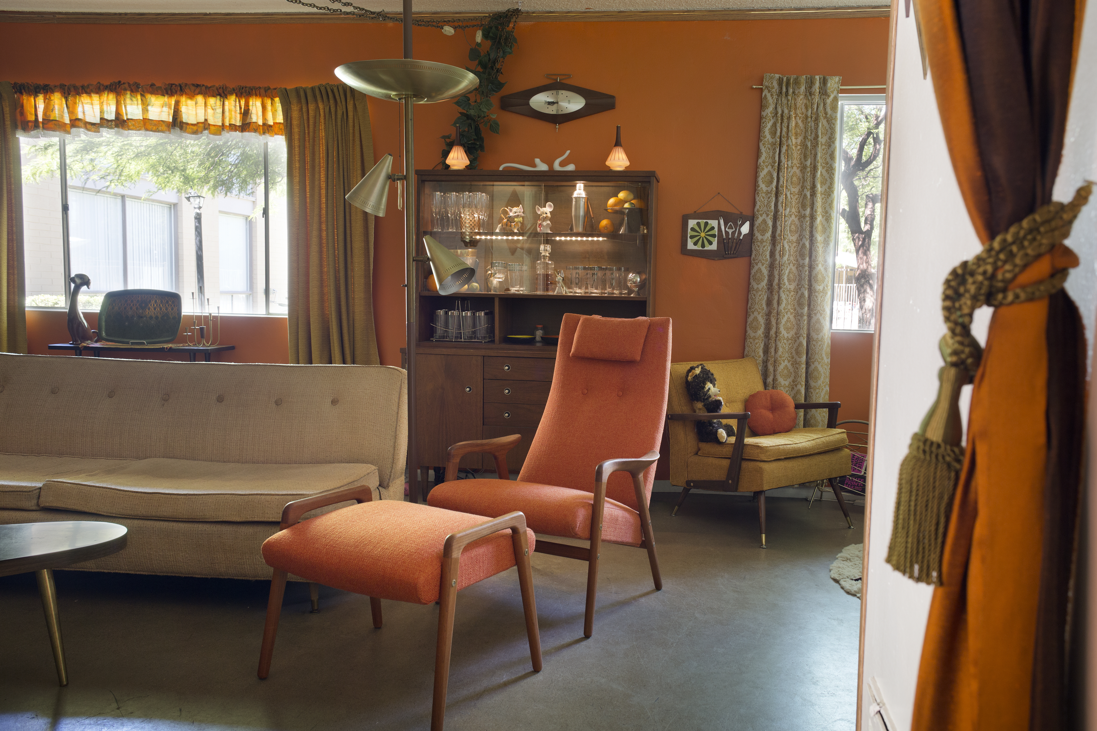 mcdermotts careful hewing to the decorating style of the 1960s makes for an authentic feeling time capsule home i got tired of seeing midcentury homes