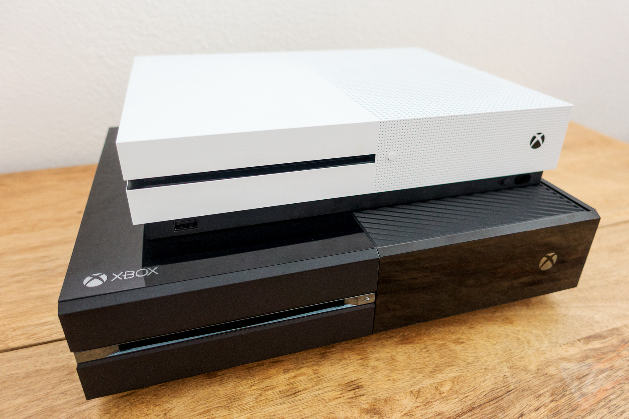 xbox one s review the verge. Black Bedroom Furniture Sets. Home Design Ideas