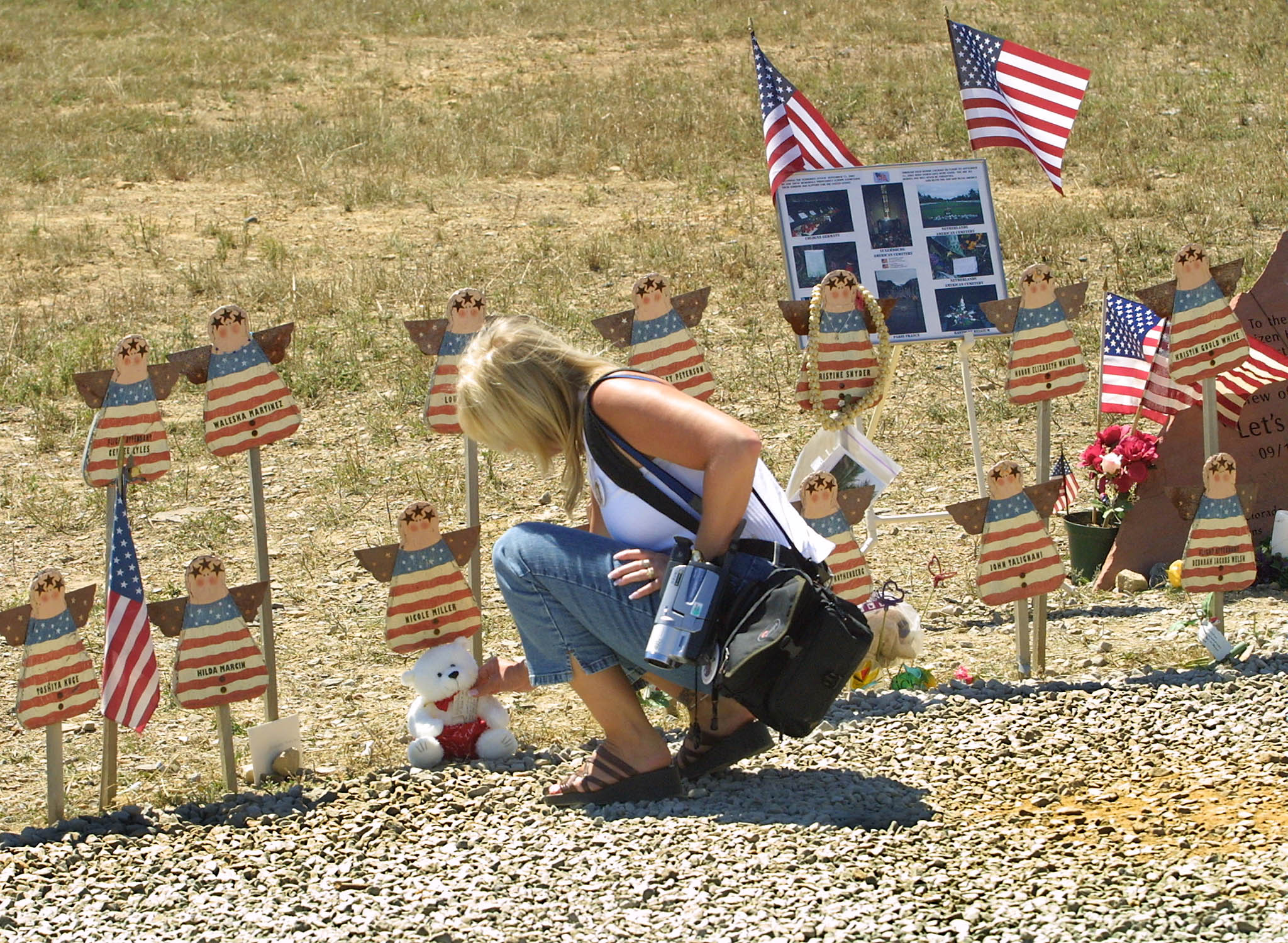 yearning for trumpocalypse what s behind a viral conservative a mourner at the crash site of the actual flight 93 in pennsylvania tom mihalek afp via getty