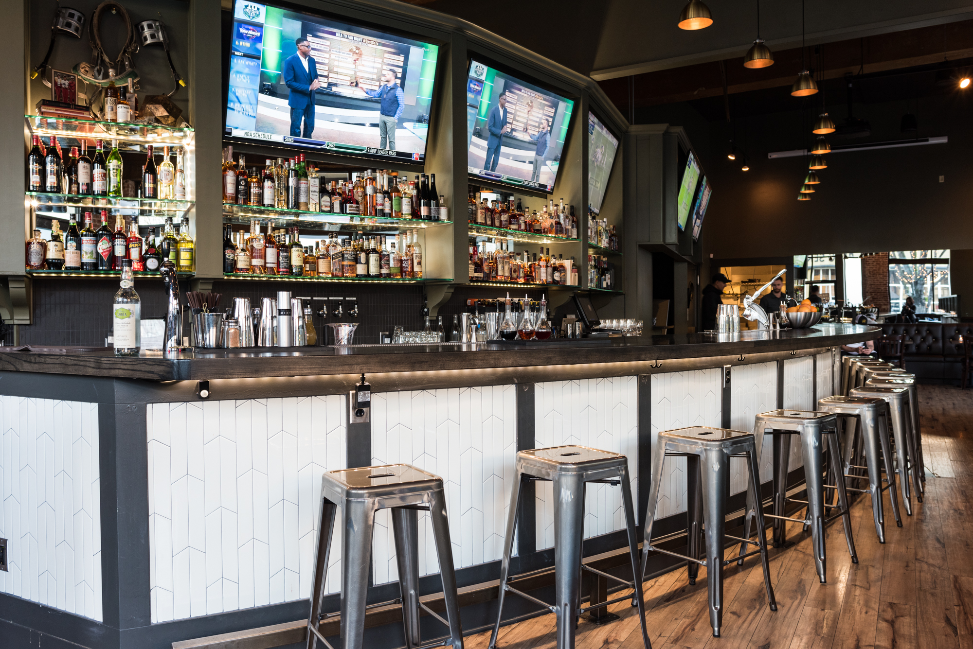 Peek Inside Joey Harrington S Pearl Tavern Eater Portland
