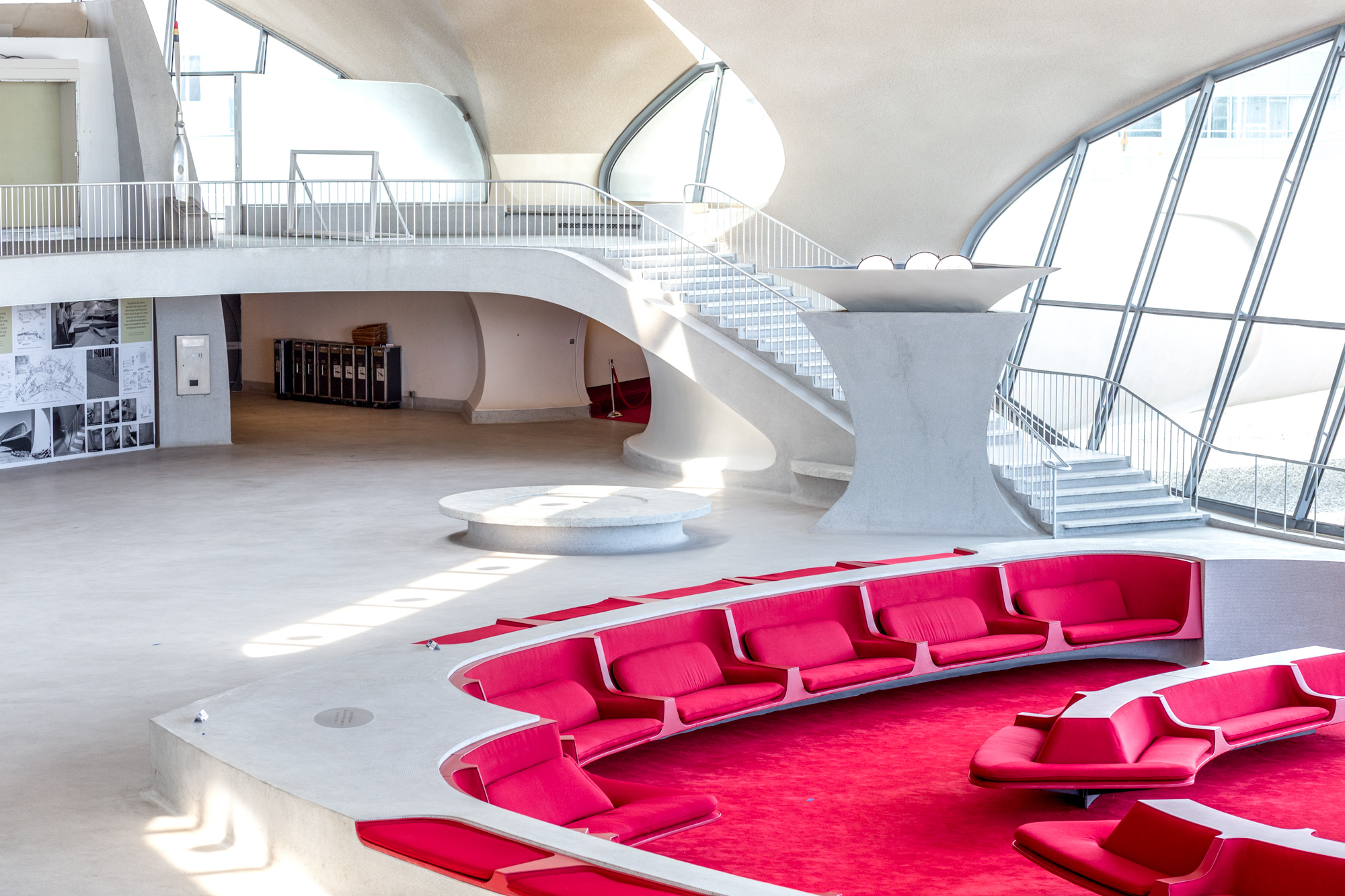 Twa terminal hotel celebrates groundbreaking with a new for Hotel at jfk airport terminal