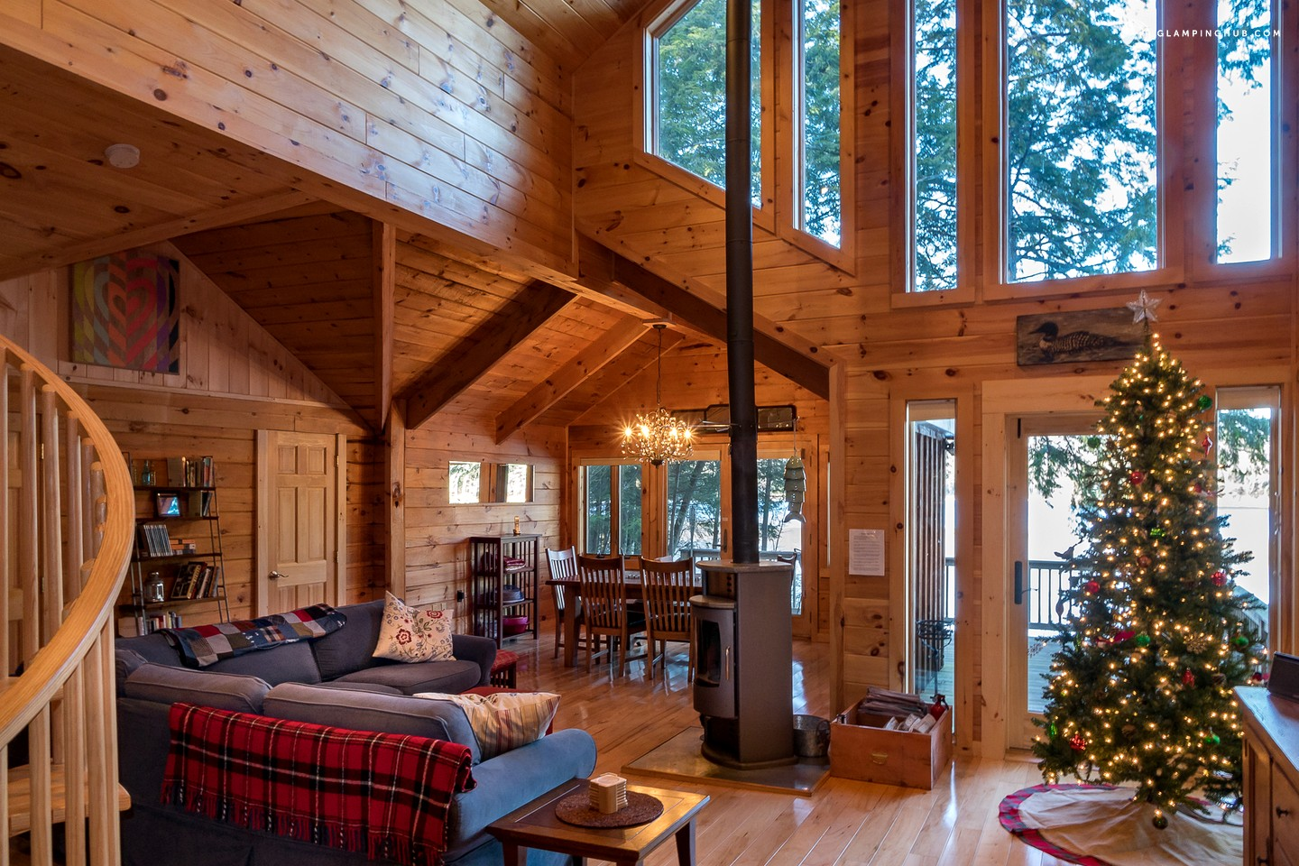 cabin property woodstock ny image tub deal and beach fireplace bed w heart luxury the of conservation from s secluded cabins yards area hot in rentals home ha