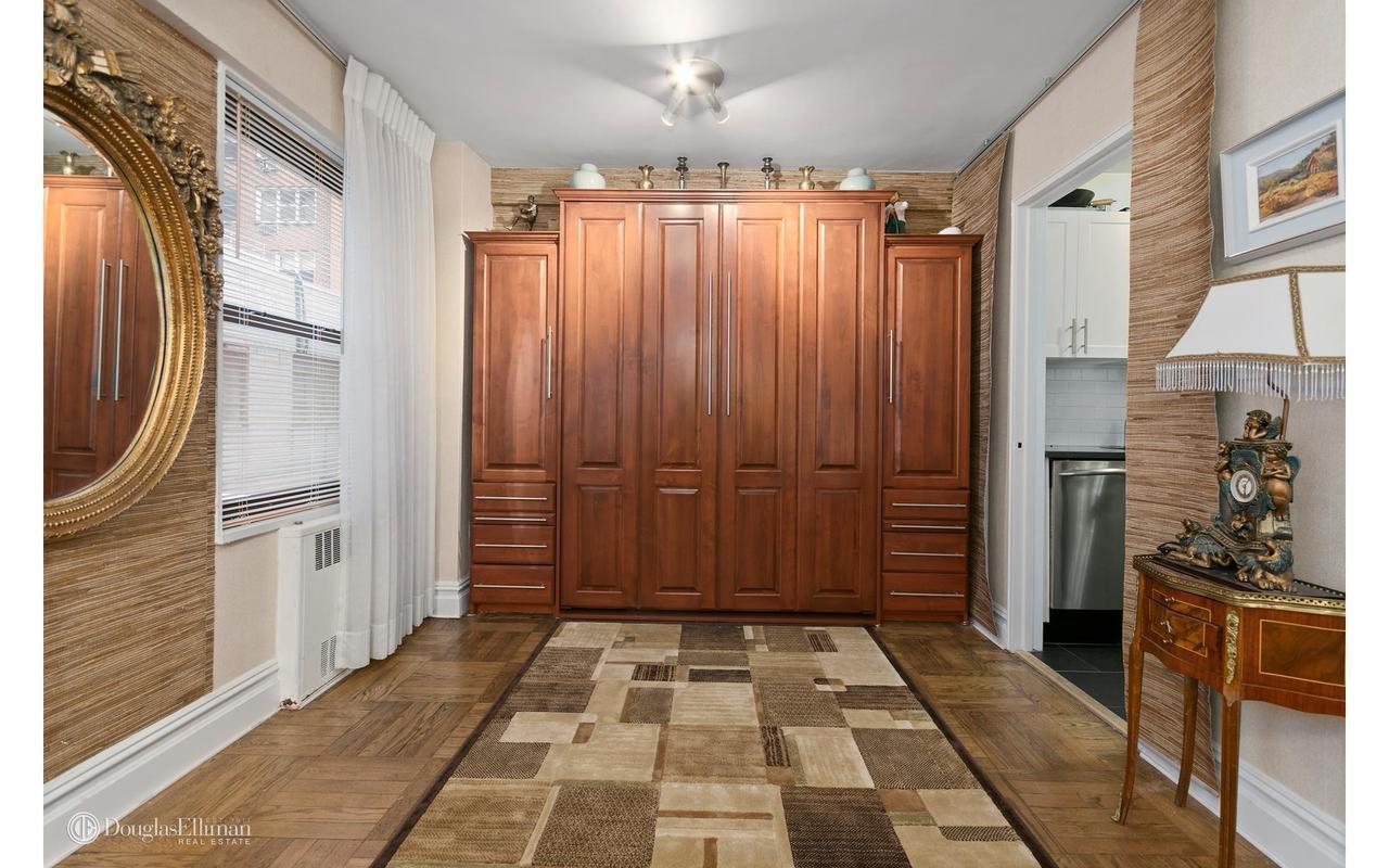 Graceful midtown 1br with convertible alcove seeks for Dining room 56 willoughby street