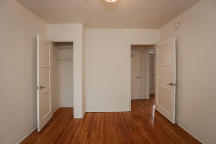 What 1 700 rents you in la right now curbed la for Hardwood floors 600 sq ft