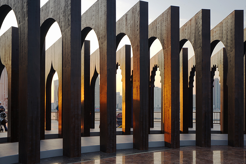 Take A Meditative Walk Through The History Of The Islamic