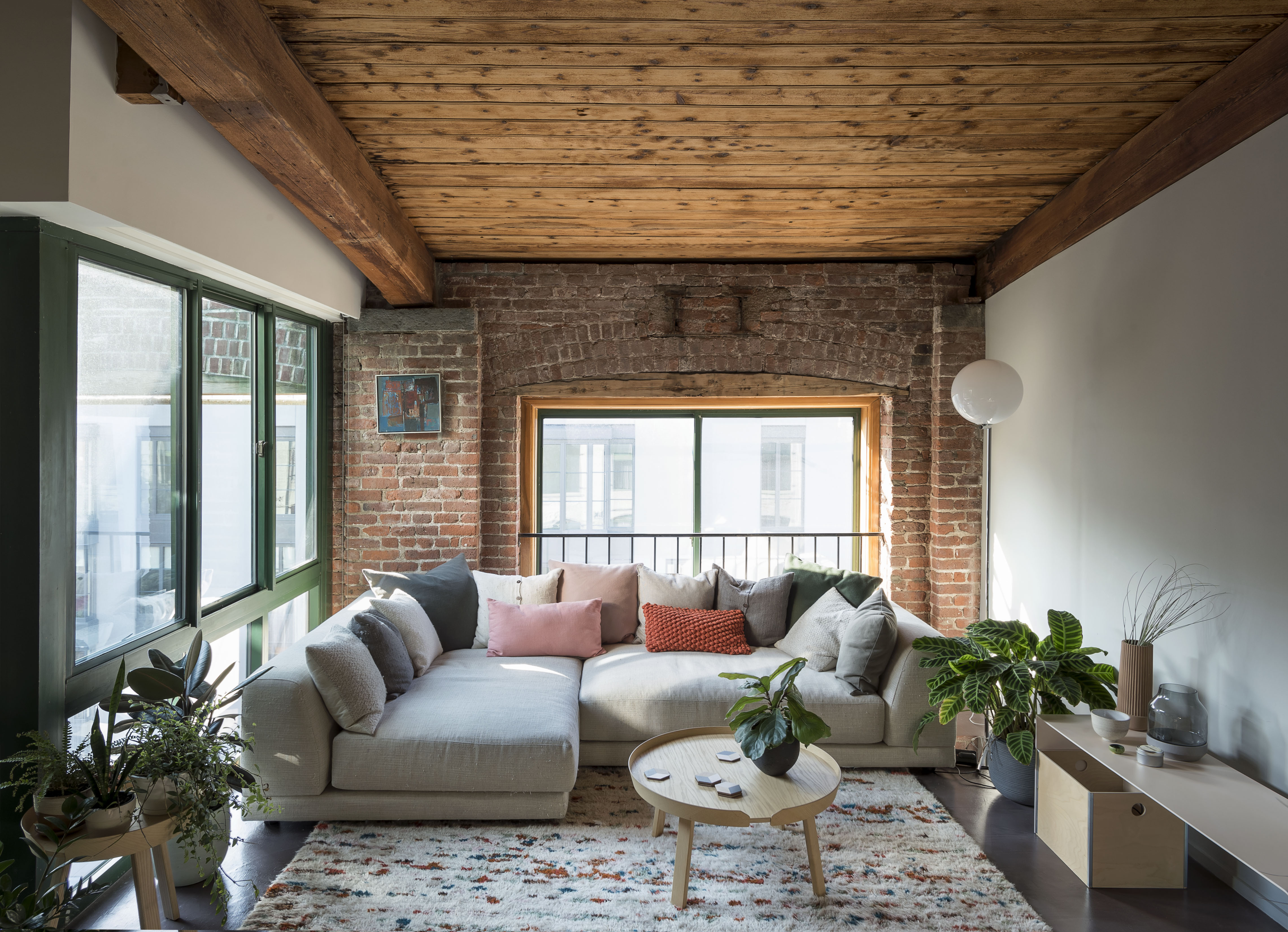 In Gowanus, designer creates stylish home from happy ...