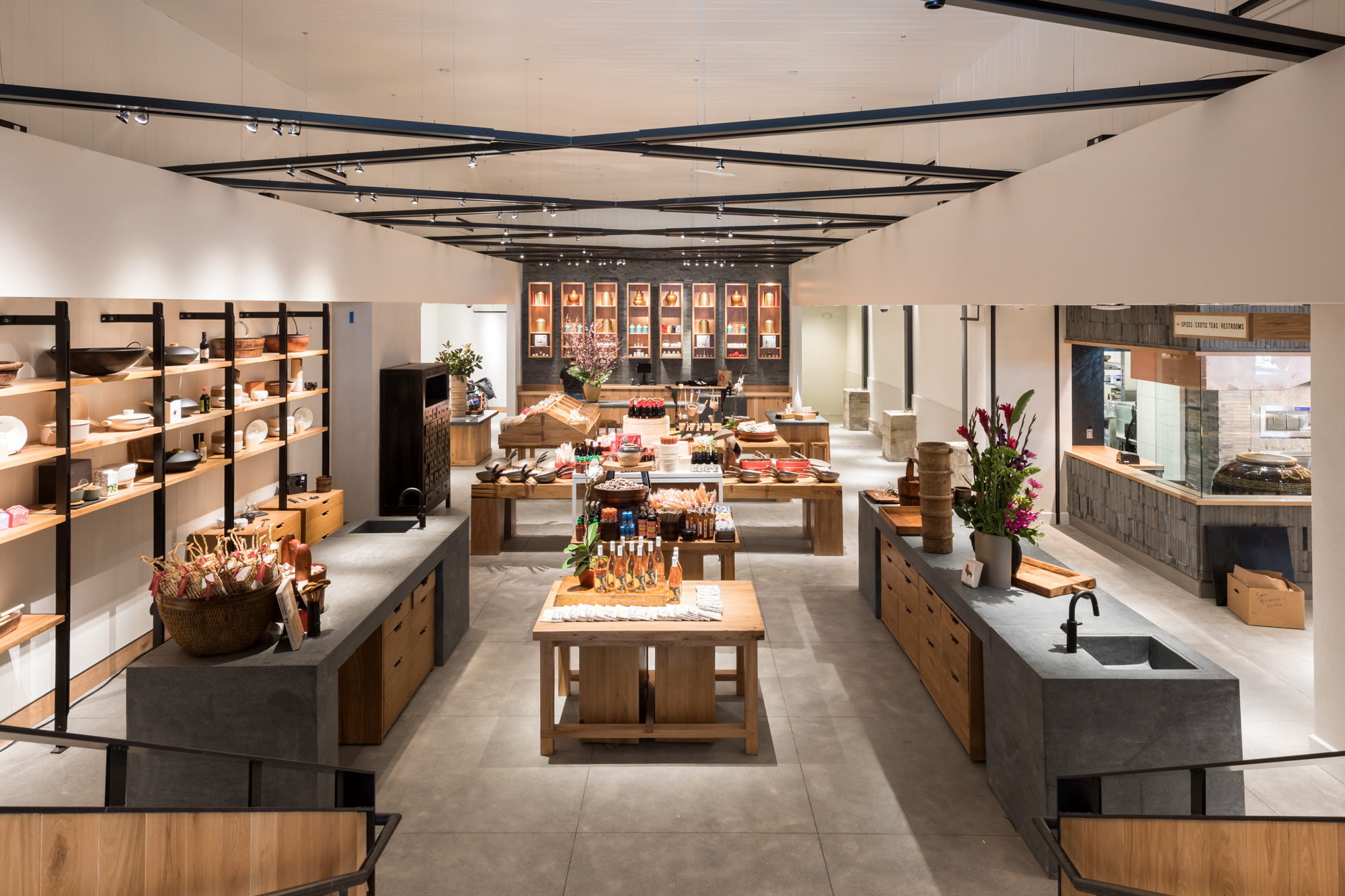 Your Guide To China Live Chinatown S New Emporium Of Food